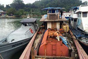 TNI AL Amankan Kapal Pembawa 14 Ton BBM Ilegal di Padang