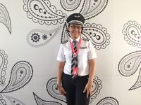 Kisah Dewi Meilina, Kapten Pilot Wanita Pertama AirAsia Indonesia