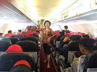 Hebohnya Fashion Show dalam Pesawat Saat 'Kartini Flight' AirAsia