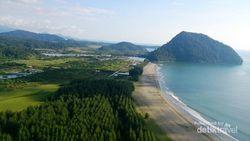 Indahnya Pemandangan Pantai dari Kaki Gunung Geurutee di Aceh