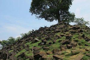 Arkeolog Temukan Kaitan Jejak Situs Gunung Padang dengan Pantai Selatan