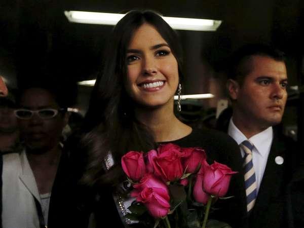 Pulang Kampung, Miss Universe 2014 Tebar Senyuman