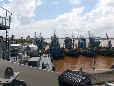 Berkejaran di Perbatasan Malaysia, Kapal TNI AL Sergap 5 Kapal Asing