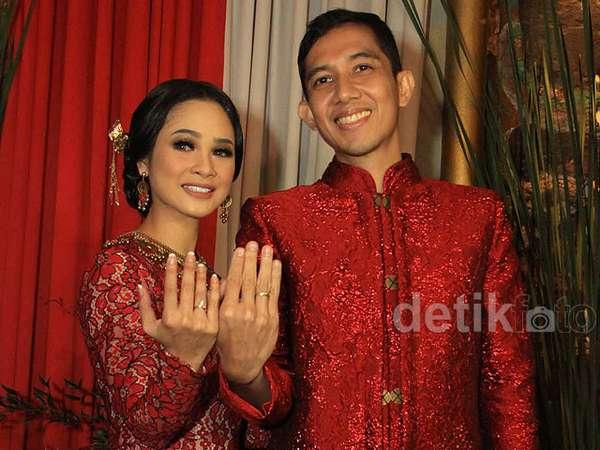 Andien Pakai Adat Betawi Peranakan di Resepsi Pernikahan, Ini Fotonya!
