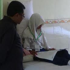 Siswi MTs di Sumenep Terpaksa UN Meski Badan Panas dan Muntah