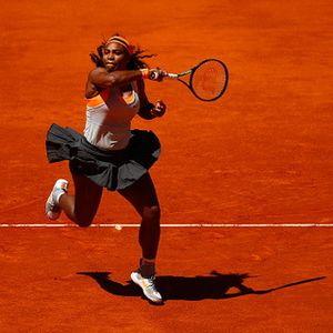 Serena Susah Payah Kalahkan Azarenka