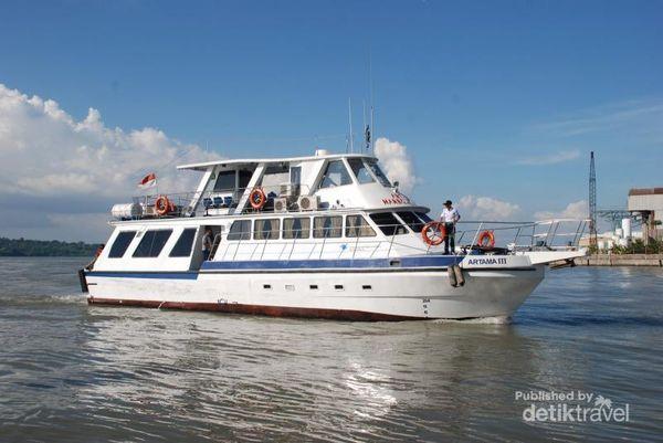 Armada Artama III Habour Cruise