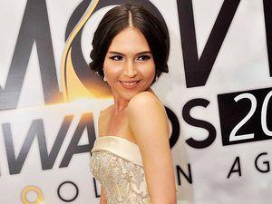 So Gorgeous... Olivia Jensen Tampil Elegan dan Menawan