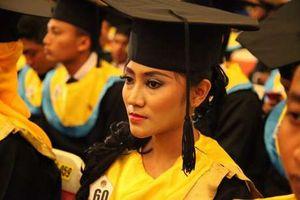 PRT ini Berjuang Kuliah Hingga Cum Laude, yang Beli Ijazah Masa <i>Enggak</i> Malu?