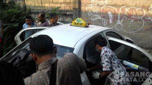 Sopir Taksi Meninggal Dalam Mobilnya di Rawamangun