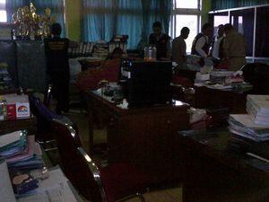 Kantor Dinas Pendidikan Demak Digeledah Polisi Terkait Kasus Korupsi