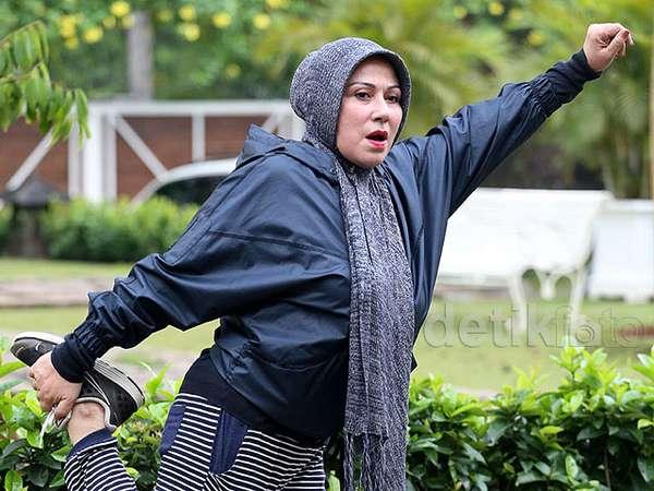 Camelia Malik Tetap Semangat Olahraga di Usia 60 Tahun