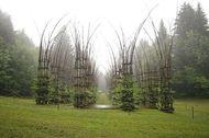 Unik, Gereja di Italia Ini Tumbuh dari Batang Pohon