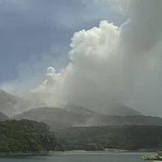 Gunung Meletus, PM Jepang Perintahkan Segala Upaya Selamatkan Warga