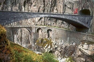 Konon Jembatan di Swiss ini Dibangun dengan Bantuan Iblis