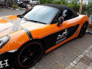 Porsche dengan Stiker Hermes yang Diaku Bella Shofie Masih Dikandangkan Polisi