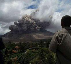 Warga Karo Diminta Gunakan Masker Hindari Debu Vulkanik Sinabung
