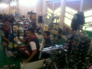 Seru! Ratusan Robot Buatan Mahasiswa Indonesia Bersaing di Yogya