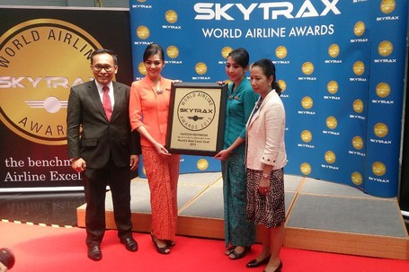Garuda Indonesia Kembali Raih World Best Cabin Crew dari Skytrax infindonesia.blogspot.co.id