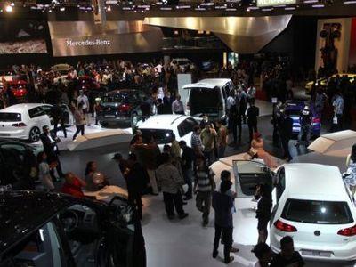 Apa Kabar Program Mobil Rendah Emisi?