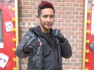 Ciaatt! Ini Cep Hendra Sang Jagoan Stuntman di Indonesia