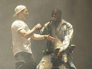 Ini Alasan Penyusup, Kacaukan Penampilan Kanye West di Glastonbury 2015