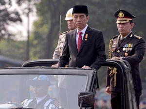 Pita Hitam Jokowi di HUT Bhayangkara
