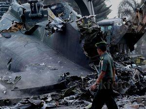 Permudah Evakuasi, Ekor Hercules Dihancurkan