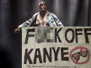 Glastonbury 2015 Benar-benar Jadi Petaka bagi Kanye West