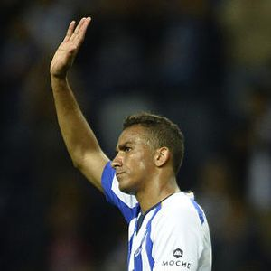 Danilo Siap Bersaing untuk Posisi Bek Kanan Madrid