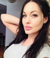 Wajah Mirip Angelina Jolie Buat Wanita Ini Sulit Dapat Pasangan