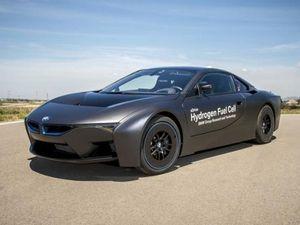 BMW Kembangkan i8 Berbahan Bakar Hidrogen