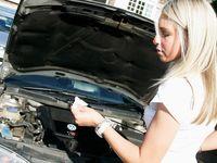 Cara Memeriksa Kuantitas Oli Mobil