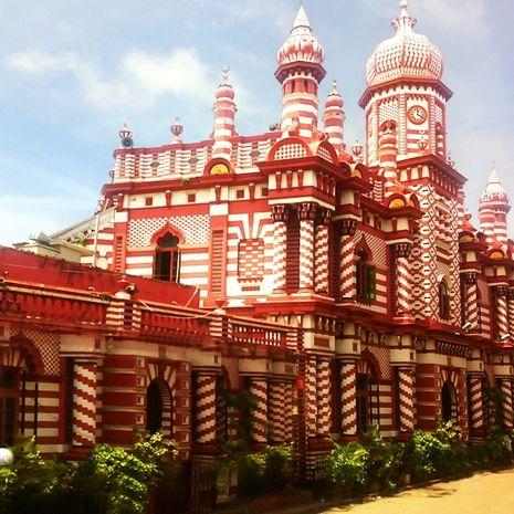 Pesona Masjid Merah Putih di Colombo, Sri Lanka