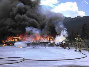 Helikopter Jatuh dan Terbakar di Colorado