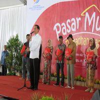 Jokowi Resmikan Pasar Murah BUMN di 190 Titik se-Indonesia