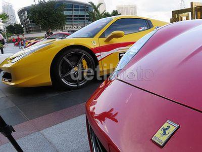 Fiat-Chrysler akan Lego Saham Ferrari