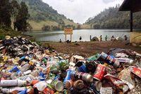 Hari Gini Masih Buang Sampah di Gunung? Norak!