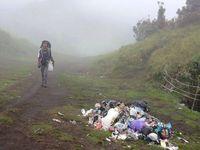 Naik Gunung Tanpa Ilmu, Akibatnya Buang Sampah Sembarangan