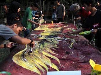 Melukis Bersama 10 Seniman Terkemuka Indonesia