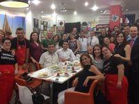 Di Kafe Ini Bisa Bebruka Puasa, Beramal dan Dilayani Penyandang Down Syndrome