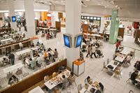Mall di Dubai Ini Sediakan Ruang bagi Pengunjung Non-Muslim dan Anak yang Makan di Jam Puasa