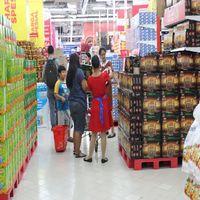 Berburu Biskuit dan Sirup Murah di Carrefour