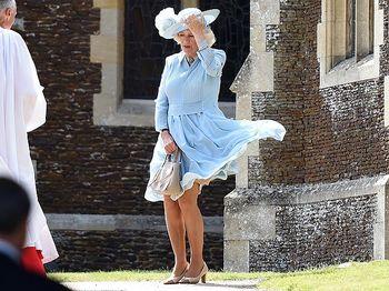 Ups! Dress Camilla Tertiup Angin