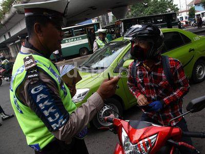 Polisi: Pengguna Jalan Baru Tertib Kalau Ada Petugas Saja