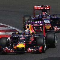 Mercedes Mungkin Saja Jadi Pemasok Mesin Red Bull