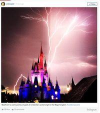 Seperti Kutukan! Fenomena Petir di Kastil Cinderella Disney World