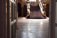 Dulu Kasino Termegah di Romania, Sekarang Mirip Istana Berhantu