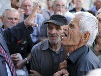 Rakyat Yunani Minta Dana Pensiun Dicairkan
