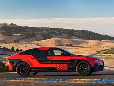 Mobil Tanpa Sopir Audi RS 7 Lebih Ngebut dari Pebalap